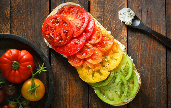 Enjoy A Feast Of Different Colors Of Tomatoes!