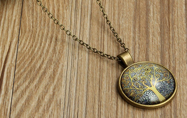 How to Choose Necklaces for Women