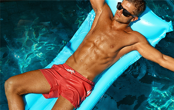 4 Tips to Help You look Your Best in Mens Swim Trunks