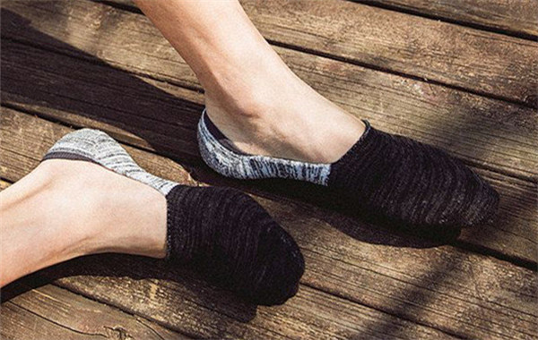 4 Tips To Buy The Right Socks