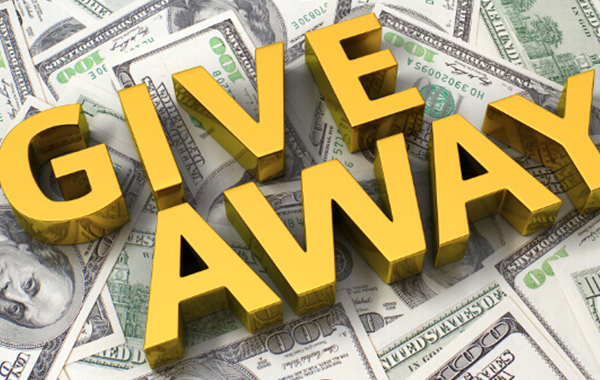 Share Newchic 3rd Anniversary Post, Get $100!