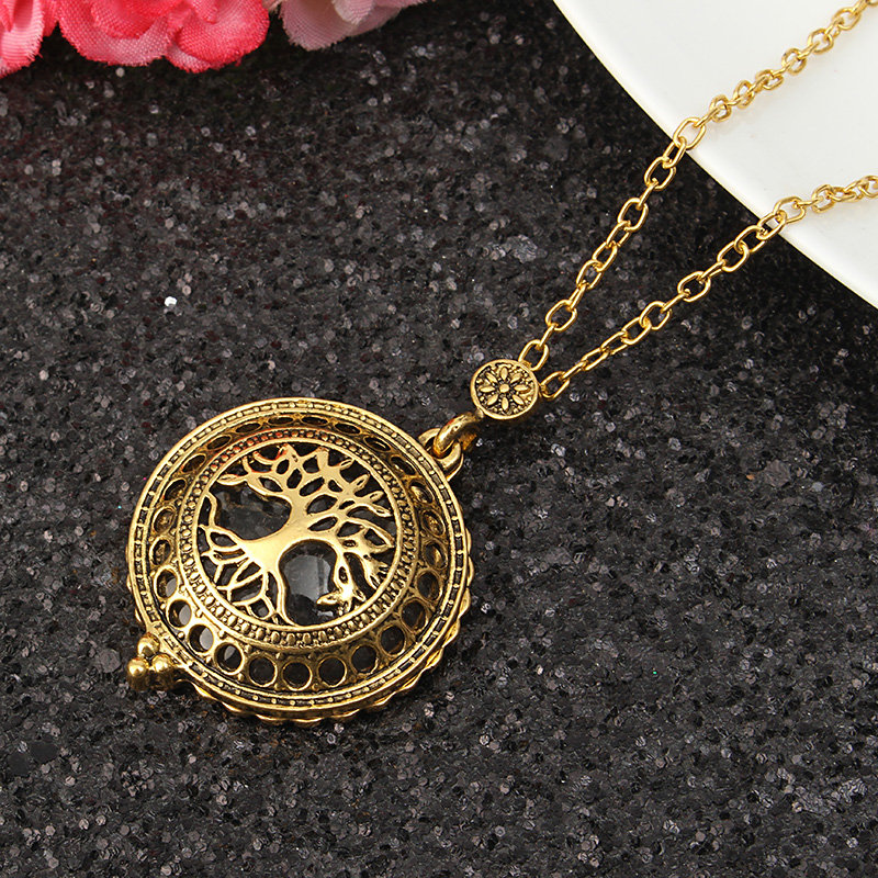 antique vintage necklaces