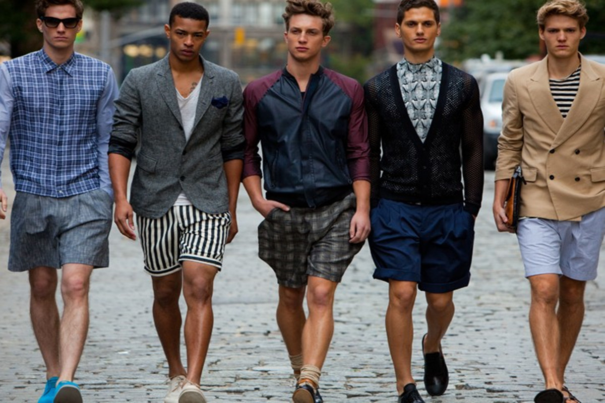 What to Wear With Mens Cargo Shorts