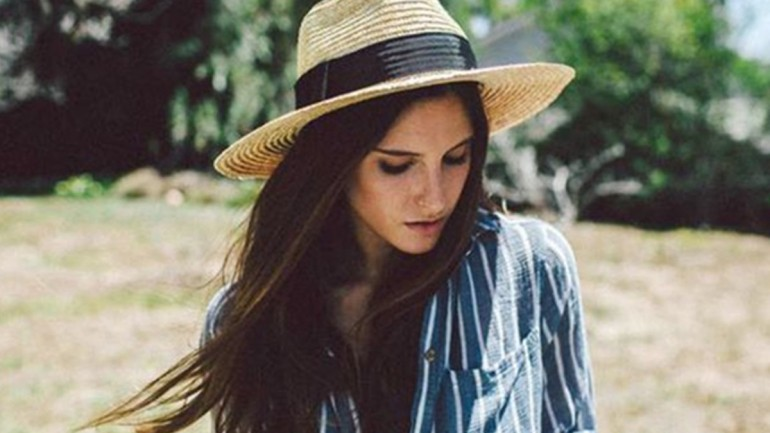 How to Clean The Summer Straw Hats Without Ruining Their Shapes