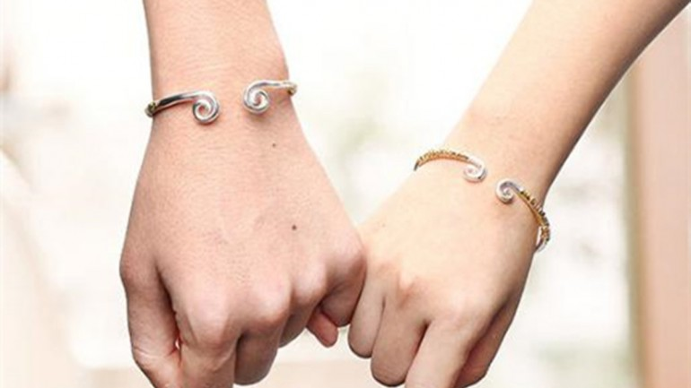 How to Clean Silver Bracelet Easily?