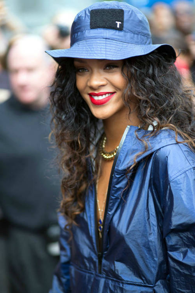 Rihanna fisherman hat