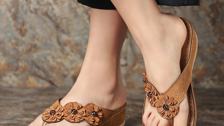LOSTISY Flower Clip Toe Beach Casual Holiday Wedges Sandals