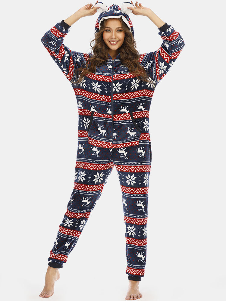 Newchic Women Christmas Snowflake Pajamas